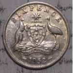 1952 AUSTRALIAN PRE DECIMAL SILVER 6-PENCE